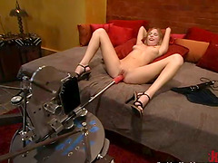 Charming blonde Lain Oi gets satisfied by her new fucking machine