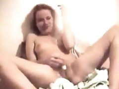 Cute Chick Gets Fingered And Squirts
