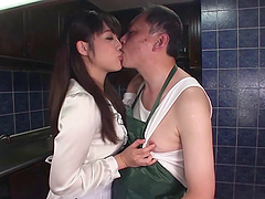 After a meeting Miki Sunohara gives an older guy a handjob
