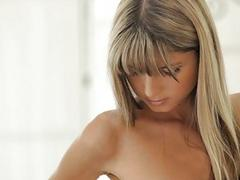 Ravishing darling charms dude with her cock riding