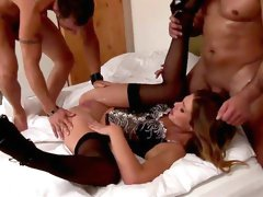 Blondie gets two males to demolish her love holes