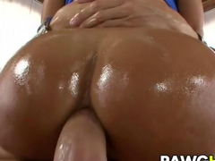 MILF Lisa Ann takes it anally